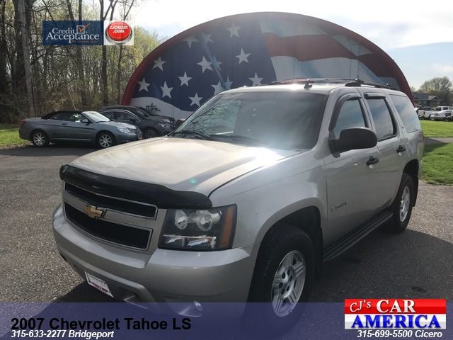 2007 Chevrolet Tahoe LS *** CICERO SALE PRICED $ 9,995***