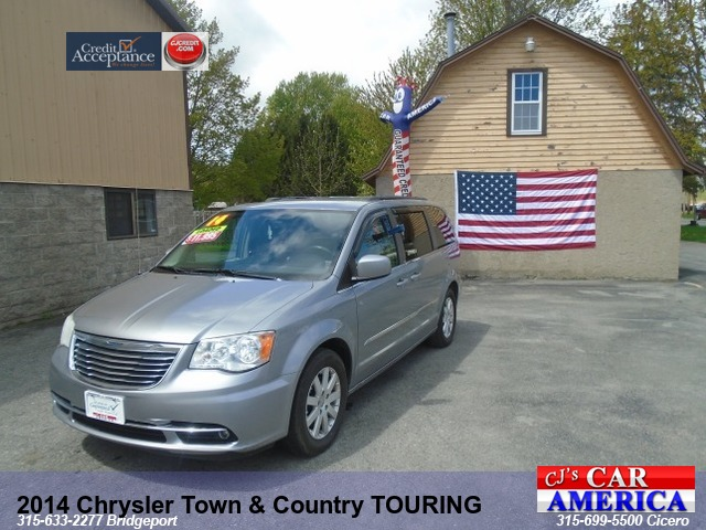 2014 Chrysler Town & Country Touring *** BRIDGEPORT***
