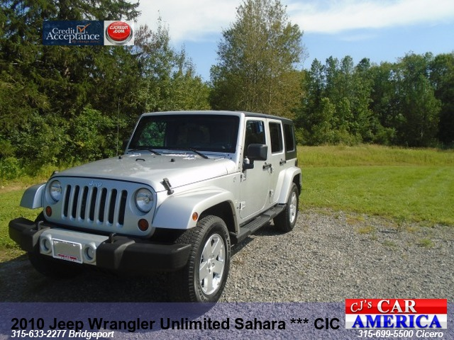 2010 Jeep Wrangler Unlimited Sahara*** CICERO SALE PRICED $14,995***