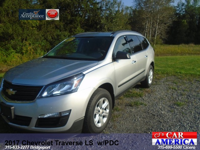 2017 Chevrolet Traverse LS  w/PDC**BRIDGEPORT STORE**