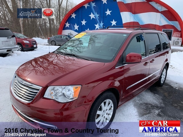 2016 Chrysler Town & Country Touring**BRIDGEPORT STORE**